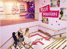 Pop Up 'Rosé Mansion' Attracts Wine Lovers To Midtown