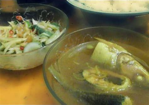 Resep masakan rumahan ikan masak acar kuning, kuahnya bikin nagih. Resep Pallu Mara Makassar (Bandeng Asam Kuah Kuning) oleh ...
