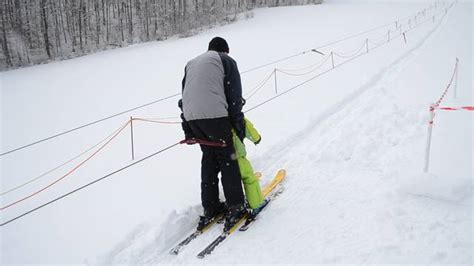 kein streusalz was tun was tun schneer 228 umer wenn der schnee zum r 228 umen fehlt brugg aargau az aargauer zeitung