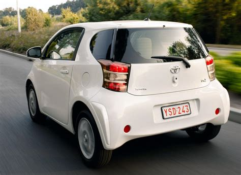 Toyota Iq Usa by 2016 Toyota Iq Aj1a Pictures Information And Specs