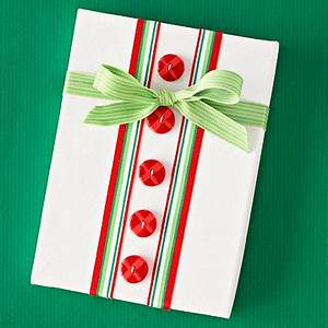 Make Your Own Buttons and Bows Gift Wrap