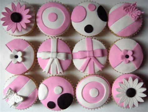 pink  white model cupcakes pink  white fondant