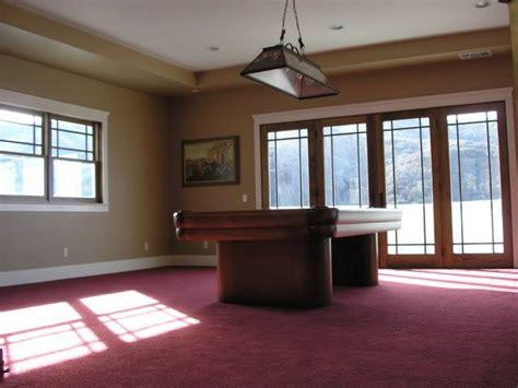 Living Room Ideas With Maroon Carpet by Best 25 Burgundy Bathroom Ideas On Burgundy