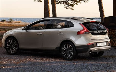 Volvo V40 Cross Country Hd Picture by Volvo V40 Cross Country 2016 Pictures Photos