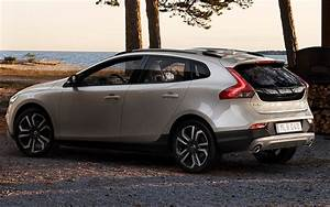 V40 Cross Country : volvo v40 cross country 2016 pictures photos information of modification video to volvo ~ Medecine-chirurgie-esthetiques.com Avis de Voitures