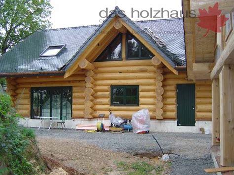 Günstige Holzhäuser Schlüsselfertig by Planung Montage Der Rundstammh 228 User Das Holzhaus