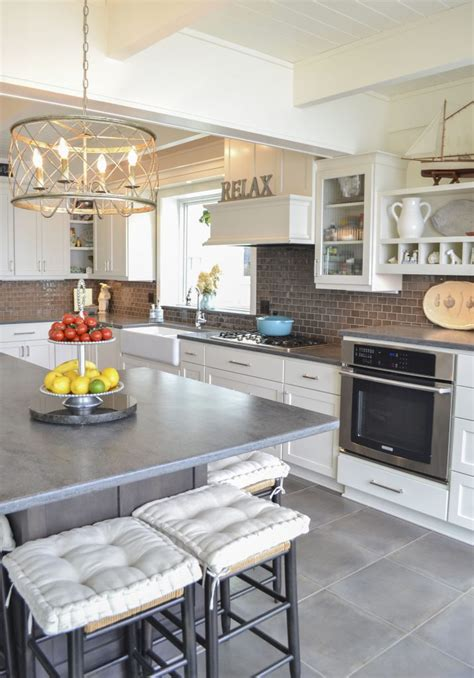 Kitchen In Style by Top Kitchen Styles And Trends For 2018 Western Products