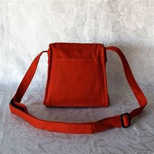 Sac Pochette Bandoulière : sac pochette orange bandouli re rabat brod aux couleurs chatoyantes ~ Teatrodelosmanantiales.com Idées de Décoration