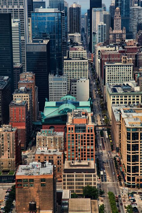 aerial photo  downtown chicago  state street