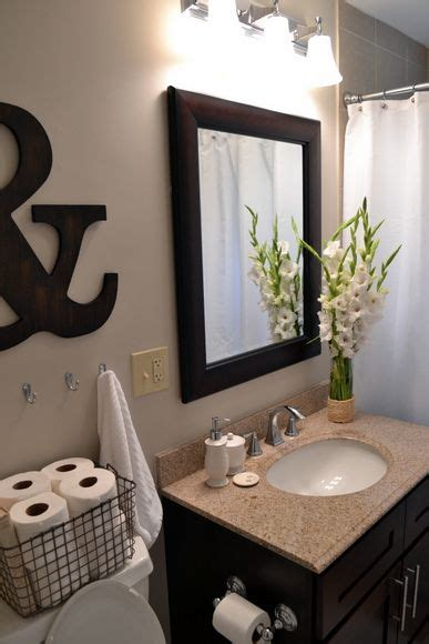 Simple Bathroom Makeovers by Best 25 Simple Bathroom Ideas On Simple