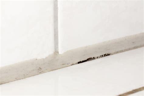 altes silikon aus fugen entfernen silikon aufl 246 sen 187 so entfernen sie es am einfachsten