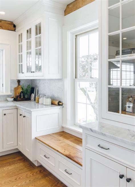 Kitchen Window Seat Ideas by 25 Best Ideas About Kitchen Window Seats On