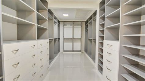 How Much Is A Walk In Closet by How Much Does A Custom Walk In Closet Cost Custom