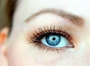 Smokey Eyes Blaue Augen : tipps und tricks blaue augen betonen blush affair ~ Frokenaadalensverden.com Haus und Dekorationen