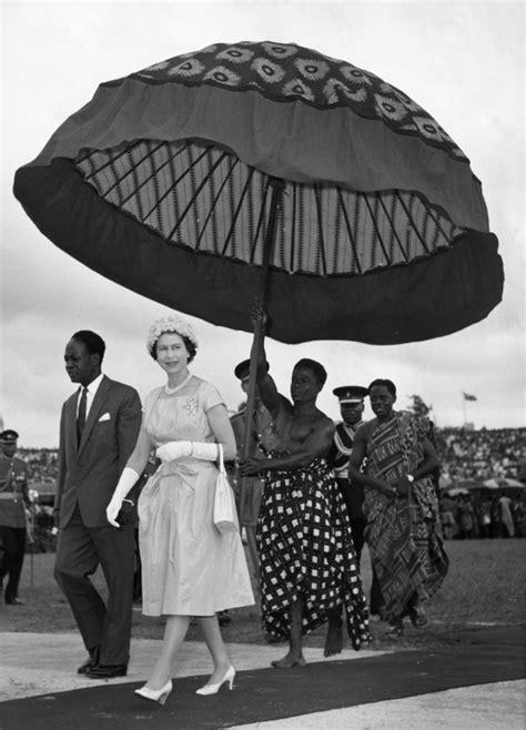 La regina elisabetta ha deciso di assumere un professionista per organizzare i complicatissimi viaggi internazionali della famiglia reale. Pin on Royal British Queen Elizabeth 11