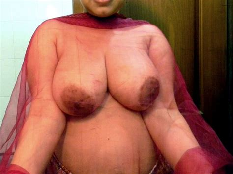 Busty Ranchi Wife Posing In Various Bras Showing Big Tits Pics