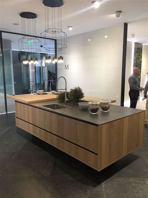 floating kitchen island  automated settings  pull
