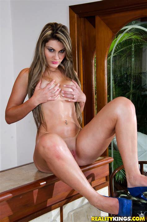 Big Ass Girl Took Off Her Bikini Milf Fox