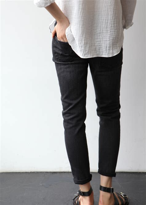 Black and white casual outfit Quotes