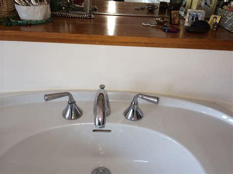 plumbing    identifying bathroom sink faucet