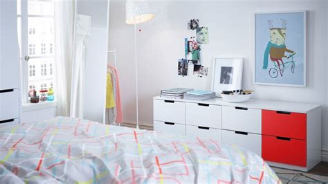 meuble bas pour chambre comment agrandir visuellement une chambre
