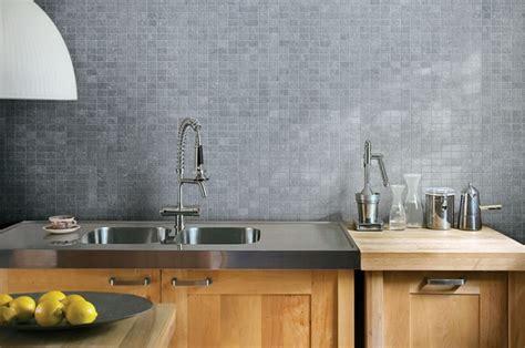 beton cire cuisine idée déco cuisine grise pour une ambiance harmonieuse