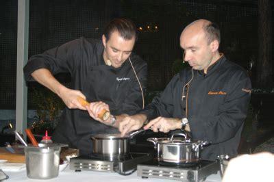 offrir un cours de cuisine avec cyril lignac un cours de cuisine pas comme les autres chefs pourcel