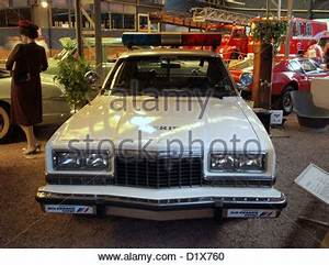 Transit Auto Reims : vintage police car transport museum coventry uk stock photo 84636915 alamy ~ Gottalentnigeria.com Avis de Voitures