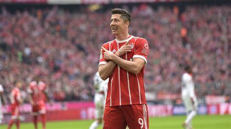 Lewandowski sets Bundesliga record : Official FC Bayern ...