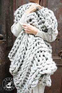 Chunky Knit Decke : super chunky knit blanket in gray merino made with big loop yarn available as a blank pinterest ~ Whattoseeinmadrid.com Haus und Dekorationen