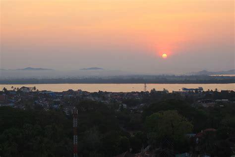 Tagesmenü Hpaan Höhlenhopping Mit Mawlamyine Sunset