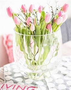 Tulpen In Vase : sch ne dekoideen mit blumen und die sch nsten vasen berhaupt vasenkonfetti wohnkonfetti ~ Orissabook.com Haus und Dekorationen