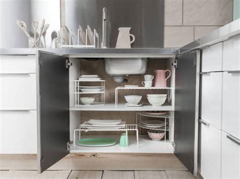 image de placard de cuisine des placards pratiques pour la cuisine décoration
