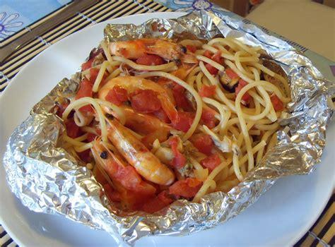 culinary cuisine spaghetti al cartoccio in a package culinaria italia