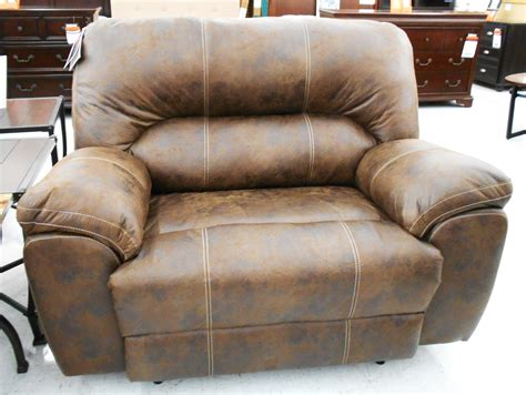 Loveseats At Big Lots by Stratolounger Stallion Snuggle Up Recliner 399 99 From