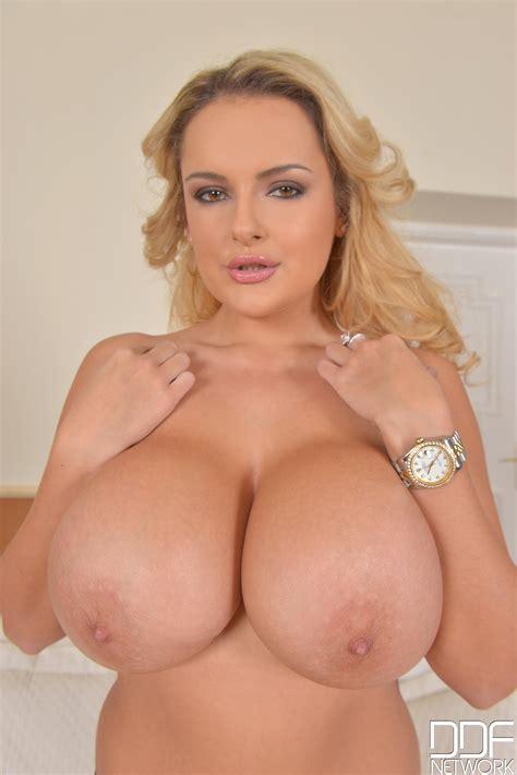 Katie Thornton Porn Pic EPORNER