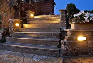 Gartengestaltung Mit Licht : natursteintreppe mit licht gartengestaltung mit ~ Lizthompson.info Haus und Dekorationen