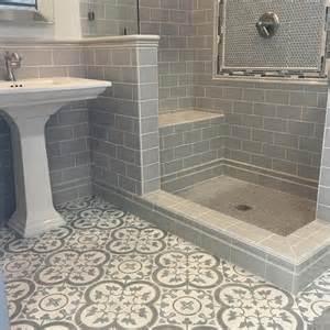 small bathroom tile floor ideas best 25 subway tile showers ideas on white