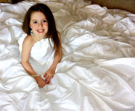 Wedding Dresses For Girls : Little Girls Wedding Dresses