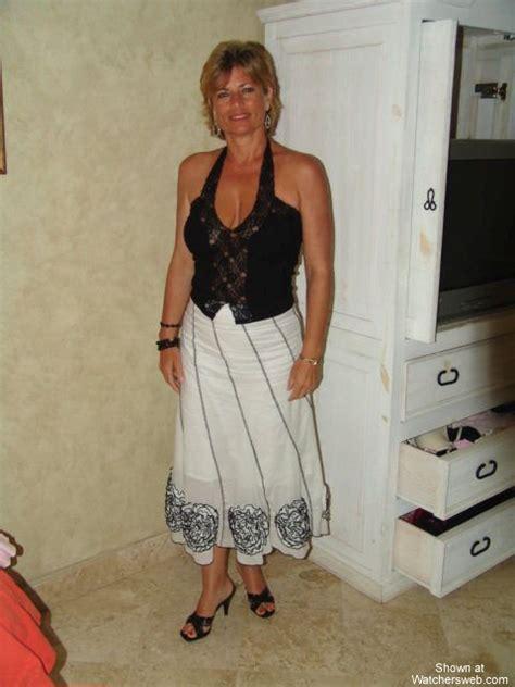 amateur mature dress voyeur