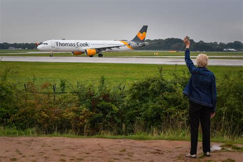 Thomas Cook: Holidaymakers left helpless as last-ditch ...