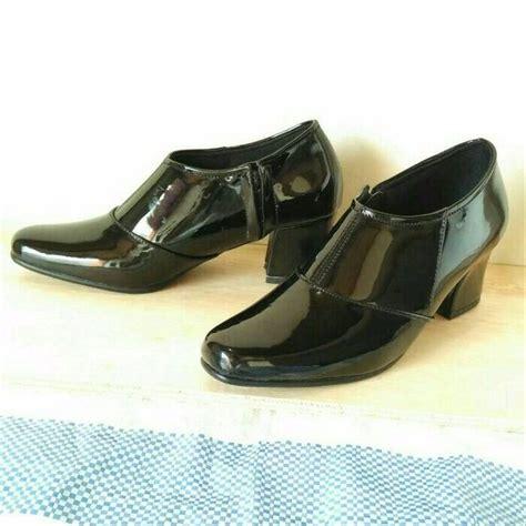jual promo sepatu pdh boots 2 warna fit rubi hitam polos gaya m jorda ciarmy ecco