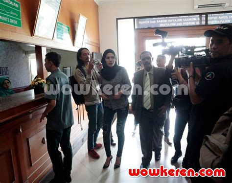 Nikita Mirzani Berita Foto Video Lirik Lagu Profil