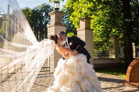 Lazaro Lazaro 3201 Size 2 Wedding Dress
