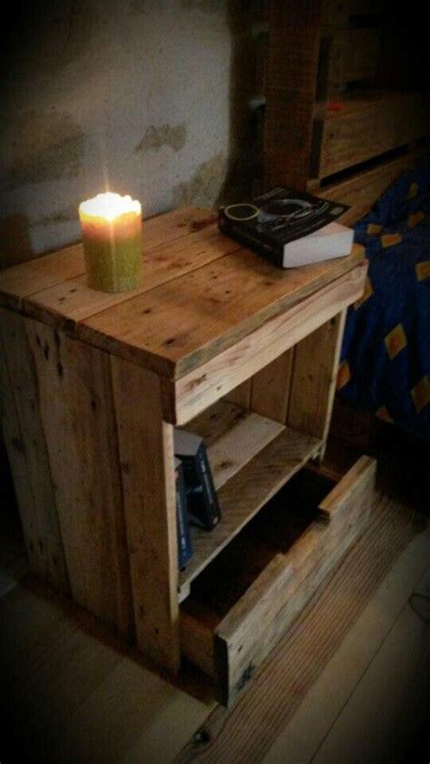 table de chevet table de nuit en palette recuperation