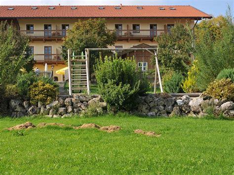 steingarten am hang steingarten kiesgarten trockenmauer