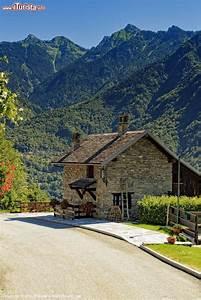 Una Tradizionale Casa Di Montagna A Crodo  Piemonte