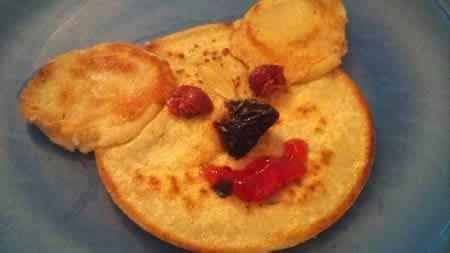 cuisiner des crepes cuisiner des crêpes à la chandeleur avec les enfants