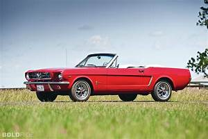 Review 1965 Ford Mustang Convertible: new style car