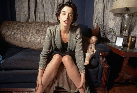 Annabella Sciorra Photos Annabella Sciorra Images Pictures Photos Icons And Wallpapers